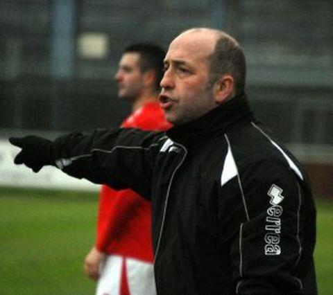 Rob Dray on the sidelines last season for Bridgwater