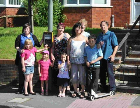 Call to improve crossing at a Bridgwater primary school