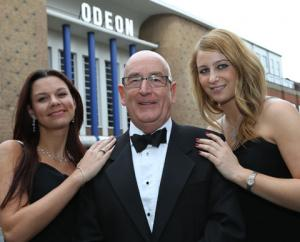 Bridgwater Mercury: SMITH, STAN SMITH: Flanked by 'Bond girls' Amy Dorgan and Kate Paszkowec at the Odeon.