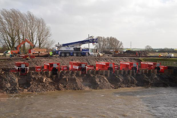 Bridgwater Mercury: PICTURE: Dutch pumps deal with floods on the Levels