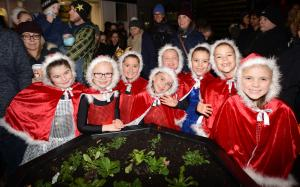 Bridgwater Mercury: PICTURES: Christmas Lights switch-on in Bridgwater