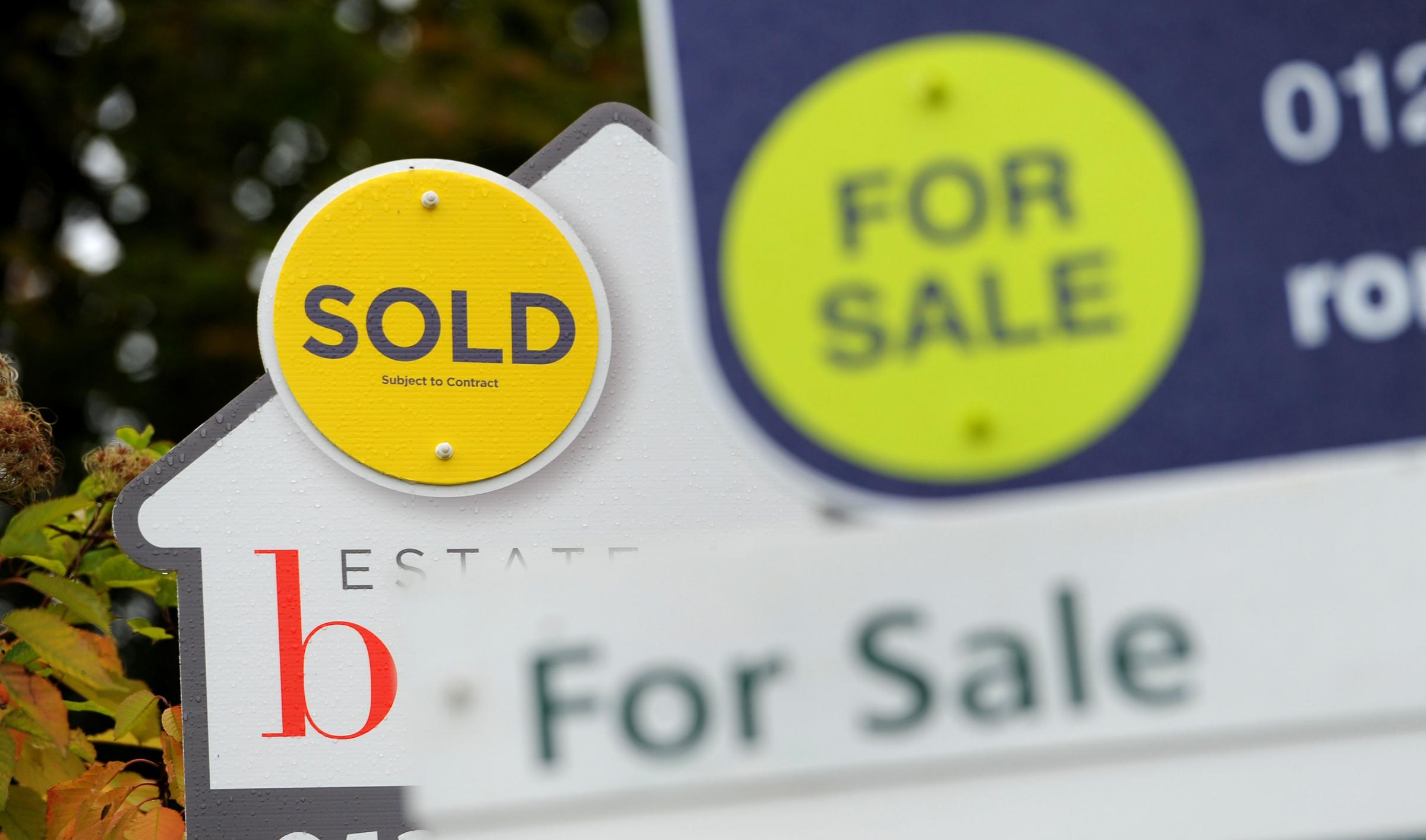HOUSE PRICES: According to an index, house prices fell by 3.1% month-on-month in April, the biggest monthly decline since September 2010. The sharp decrease took the average UK house price to £220,962, Halifax said. Photo: Andrew Matthews/PA Wire
