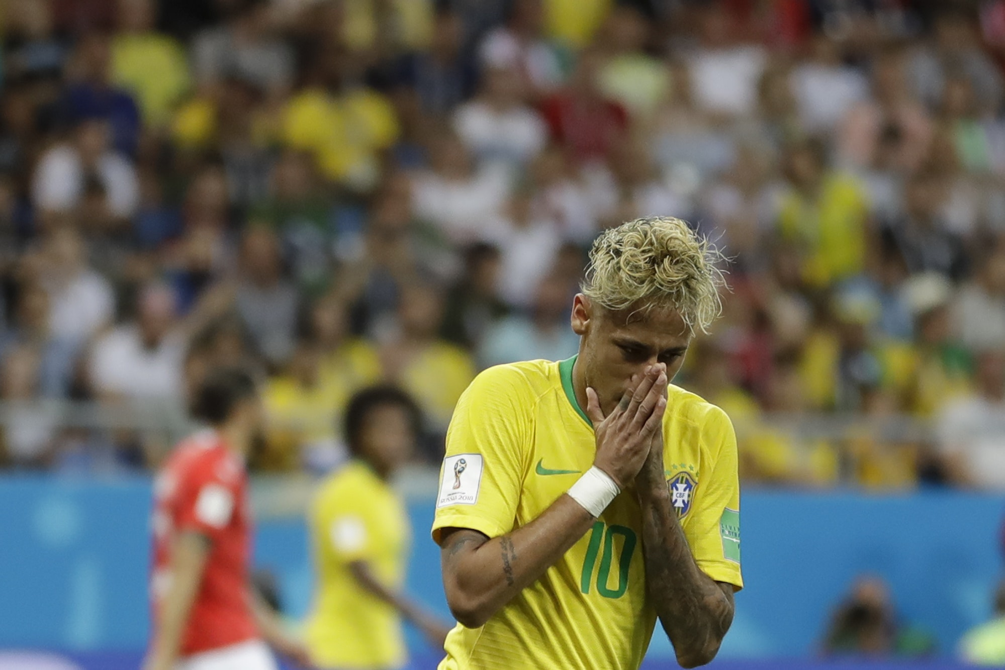 Neymar recovered from a fractured metatarsal to be fit for the World Cup