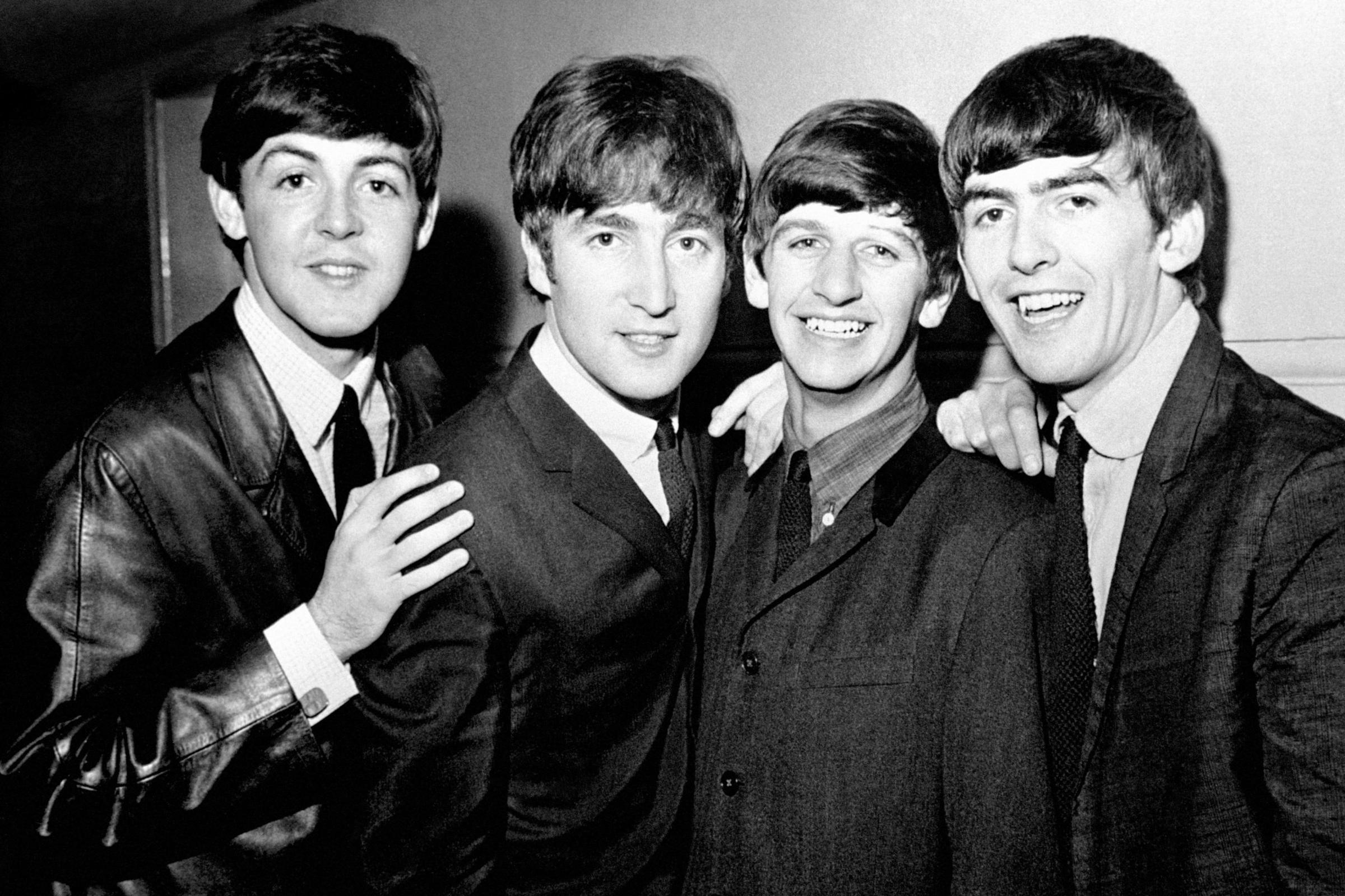 Lennon S Aunt Dismissed Beatles Fascination With Indian Guru Bridgwater Mercury
